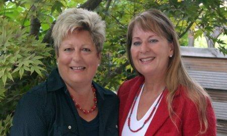 Daniela Stotz und Gabriele Dehm von der Autana Stiftung
