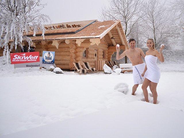 Schnee in der Therme Erding