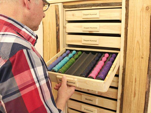 Elmar-Thüry-(60)-einer-der-bekanntesten-Holzdildo--und-Holzvibratoren-Hersteller.jpg