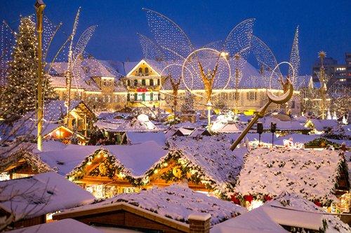 Weihnachtsmarkt_Schneeweb.jpg