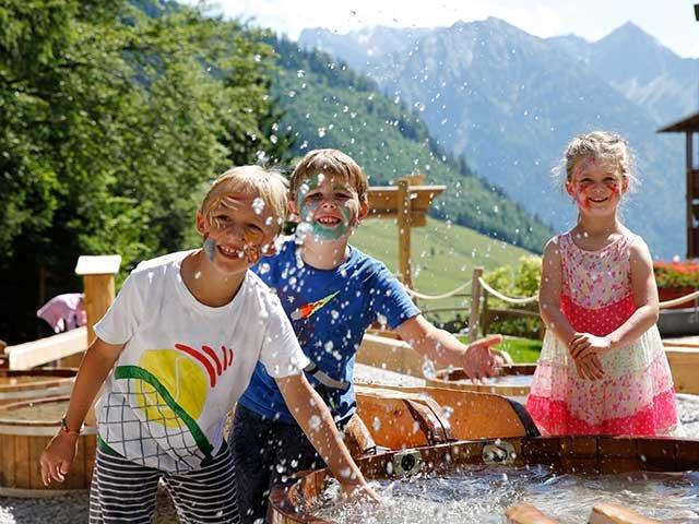 Wasserspielplatz im Kinderhotel Oberjoch