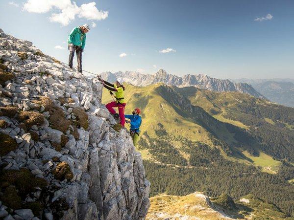 Klettersteig Odenwald : Mit klettersteig ausrüstung und stirnlampe in die dunkelheit