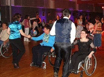 LB-Rollstuhltanztage-Ball-1.jpg