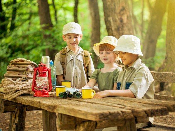 In Pfadfindergruppen lernen Kinder nicht nur viel über die Natur, auch das Vermitteln von wichtigen Werten, wie Gemeinschaft und Gerechtigkeit werden hier großgeschrieben.
