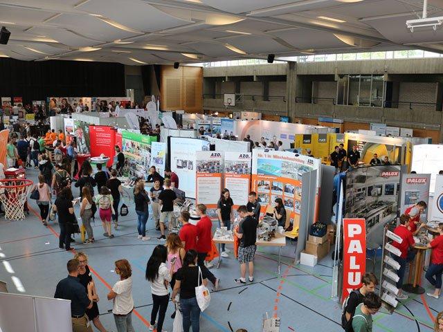 ahlreiche Besucher auf der Bildungsmesse Lauda-Königshofen.