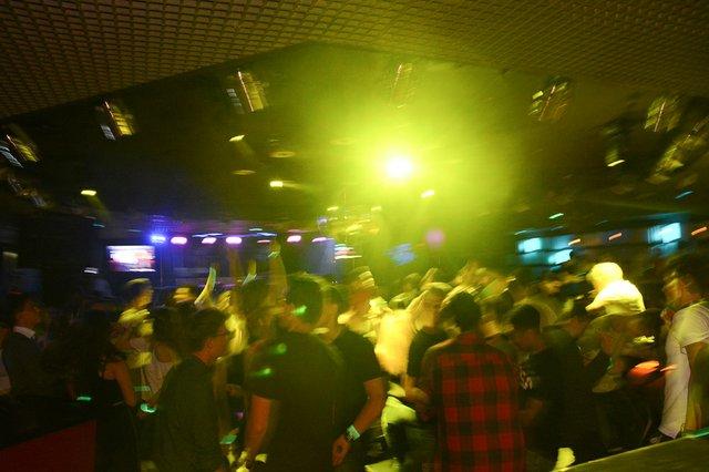 Neon Single Party 08.06.18 (7 von 41).jpg