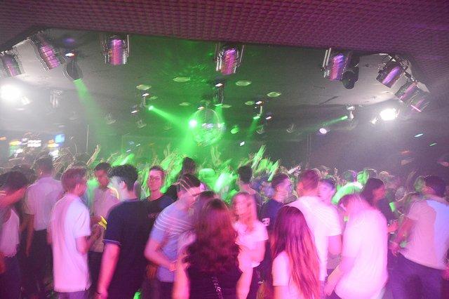 Neon Single Party 08.06.18 (35 von 41).jpg