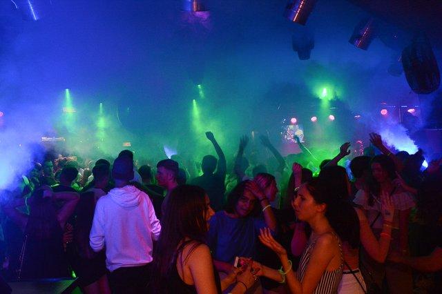 Neon Single Party 08.06.18 (37 von 41).jpg