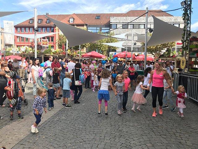 Weindorf-Familientag-web.jpg