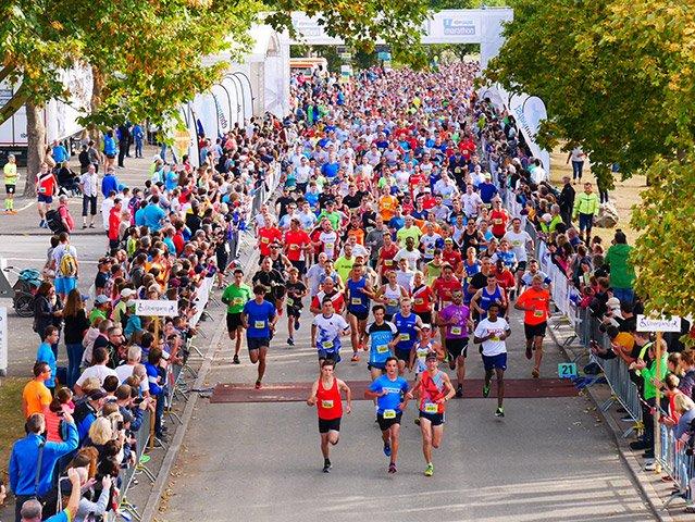 Bild2_Startschuss_10km_ebm-papst-Marathon-2018-web.jpg