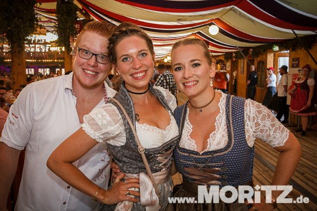 30.9. Schlagerparty-Onetaste Studentennacht beim Volksfest (24 von 51).jpg