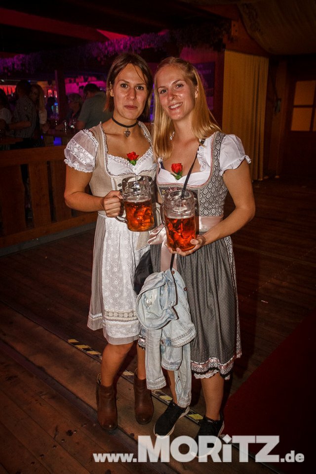 8.10. Onetaste-Studentennacht im Wasenwirt Zelt auf dem Cannstatter Volksfest (52 von 80).jpg