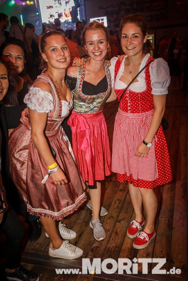 8.10. Onetaste-Studentennacht im Wasenwirt Zelt auf dem Cannstatter Volksfest (56 von 80).jpg