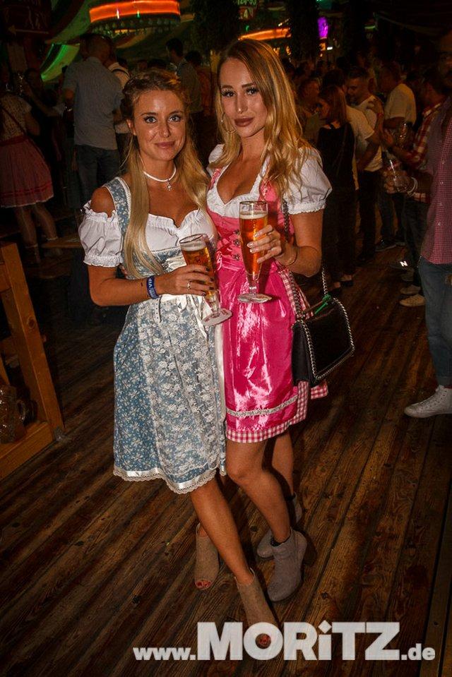 8.10. Onetaste-Studentennacht im Wasenwirt Zelt auf dem Cannstatter Volksfest (67 von 80).jpg