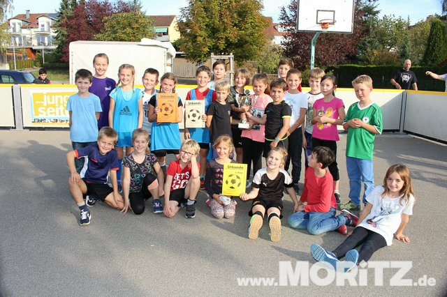 9.10. Straßenfussball für Toleranz an der Bretwiesenschule in Hochdorf (41 von 41).jpg