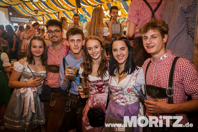 13.10. Volksfest auf dem Cannstatter Wasen, Stuttgart (7 von 68).jpg