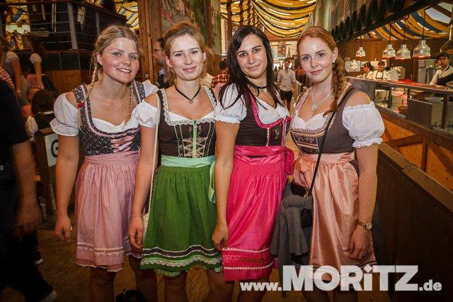 13.10. Volksfest auf dem Cannstatter Wasen, Stuttgart (12 von 68).jpg