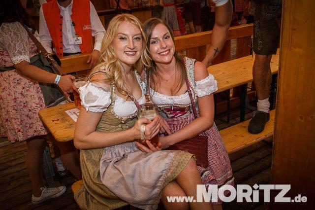 13.10. Volksfest auf dem Cannstatter Wasen, Stuttgart (25 von 68).jpg