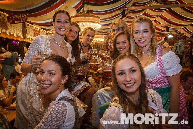 13.10. Volksfest auf dem Cannstatter Wasen, Stuttgart (30 von 68).jpg