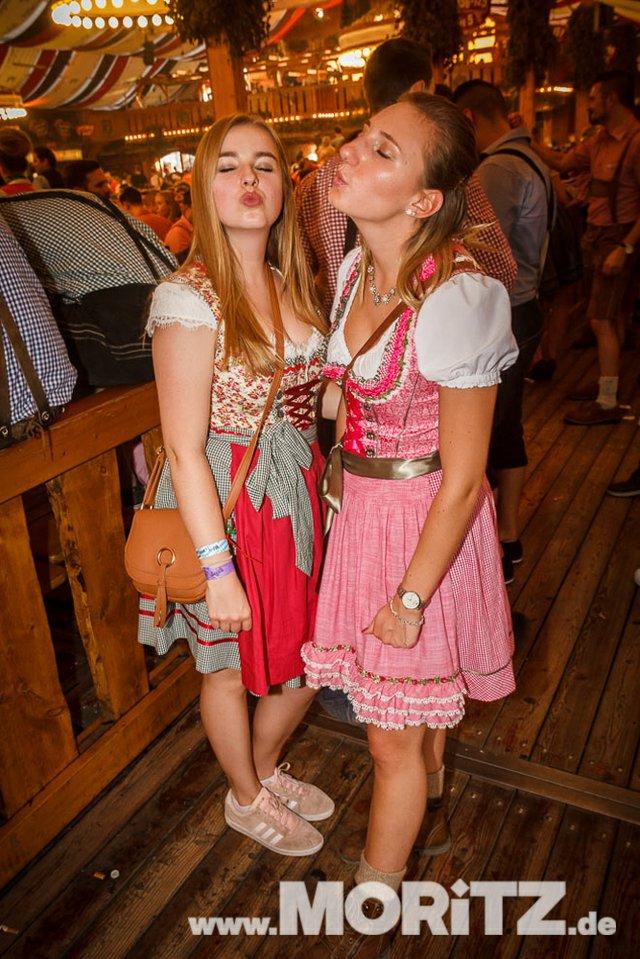 13.10. Volksfest auf dem Cannstatter Wasen, Stuttgart (35 von 68).jpg