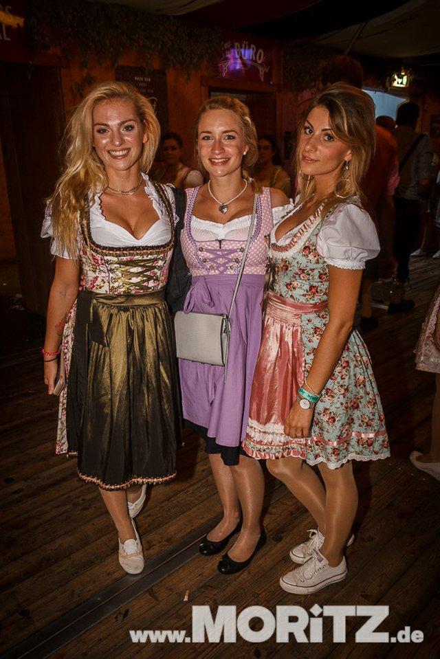 13.10. Volksfest auf dem Cannstatter Wasen, Stuttgart (65 von 68).jpg