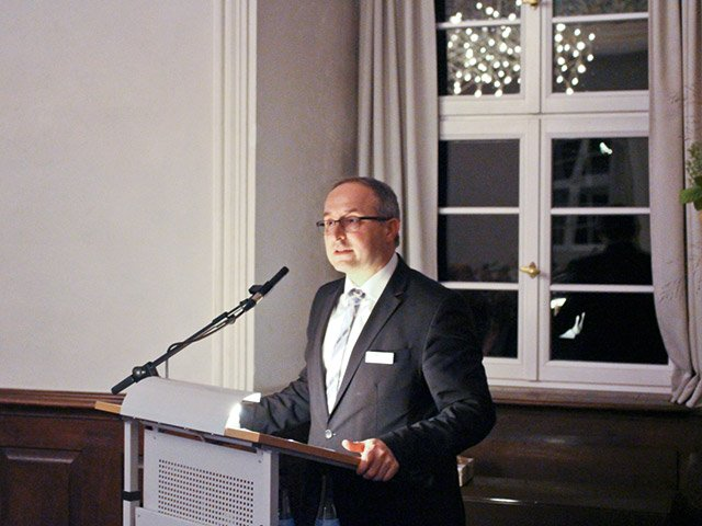 Dr. Andreas Schumm
