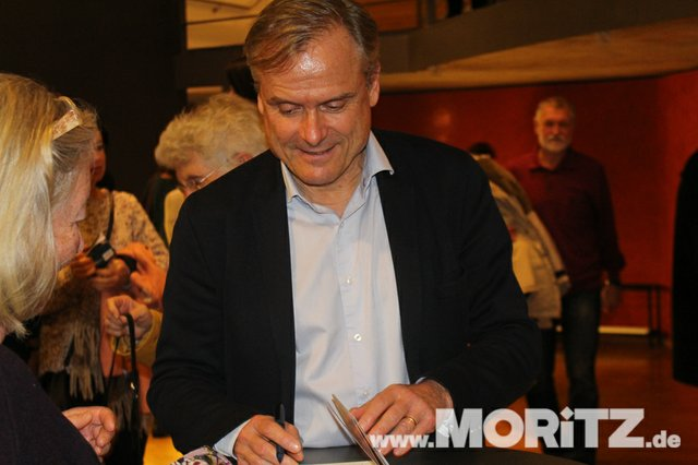Axel Hacke begeisterte mit seiner Art das aufmerksame Heilbronner Publikum. (17 von 21).jpg