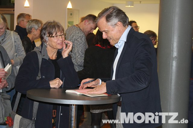 Axel Hacke begeisterte mit seiner Art das aufmerksame Heilbronner Publikum. (19 von 21).jpg