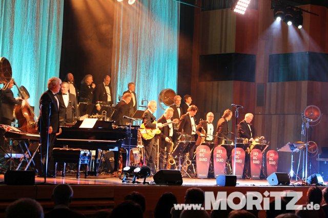 Götz Alsmann und die SWR Big Band boten dem Publikum Jazz mit einem Mix aus Swing und Schlagern. (28 von 57).jpg