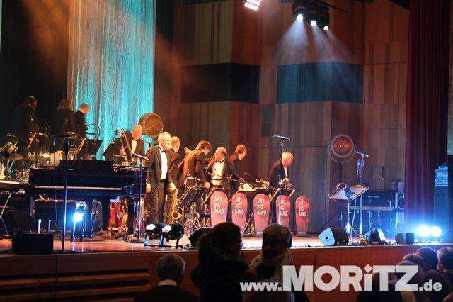 Götz Alsmann und die SWR Big Band boten dem Publikum Jazz mit einem Mix aus Swing und Schlagern. (29 von 57).jpg