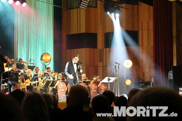 Götz Alsmann und die SWR Big Band boten dem Publikum Jazz mit einem Mix aus Swing und Schlagern. (44 von 57).jpg