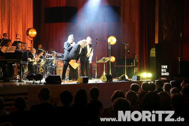 Götz Alsmann und die SWR Big Band boten dem Publikum Jazz mit einem Mix aus Swing und Schlagern. (46 von 57).jpg