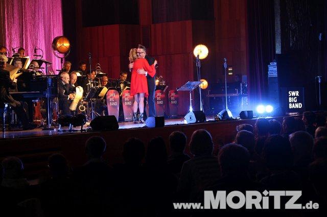 Götz Alsmann und die SWR Big Band boten dem Publikum Jazz mit einem Mix aus Swing und Schlagern. (50 von 57).jpg