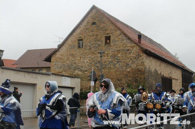 Närrinnen und Narren rocken Faschingsumzug und -Party in Gundelsheim  (10 von 19).jpg