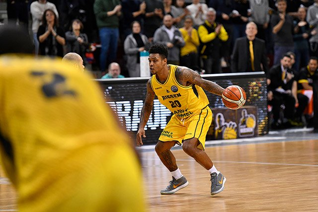 MHP Riesen vs Le Mans Jones