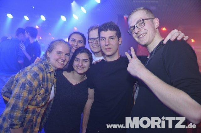 Mit Partylaune und Tanz ging es bei Welcome to the Weekend ins Wochenende. (29 von 30).jpg