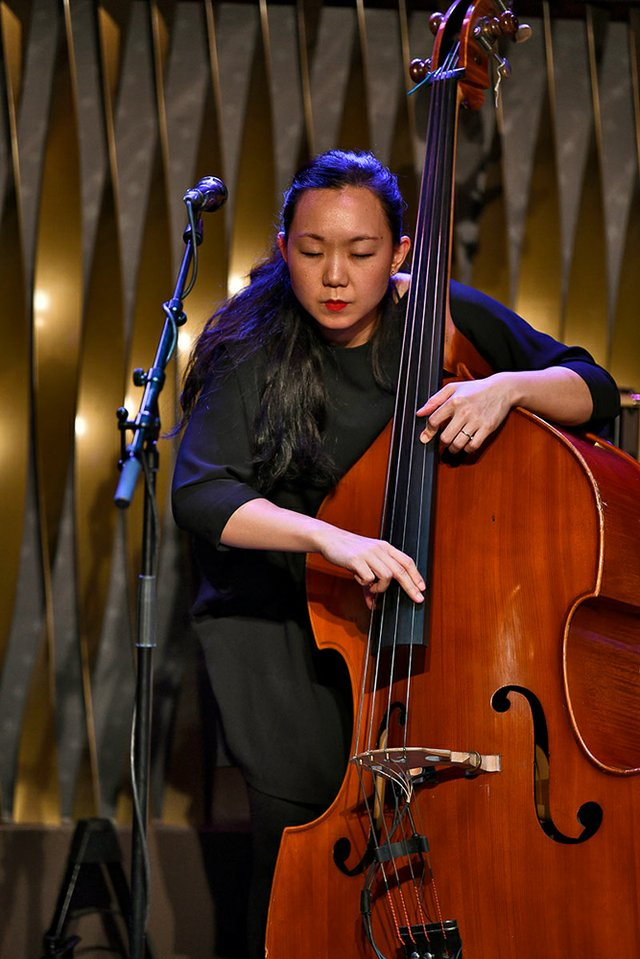Linda May Han Oh im Jazzclub Bix in Stuttgart am 26.04.2019