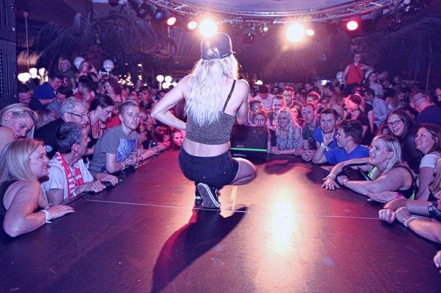 30.04.19 Tanz in den Mai mit Mia Julia, Sonnenhof, Aspach (6 von 51).jpg