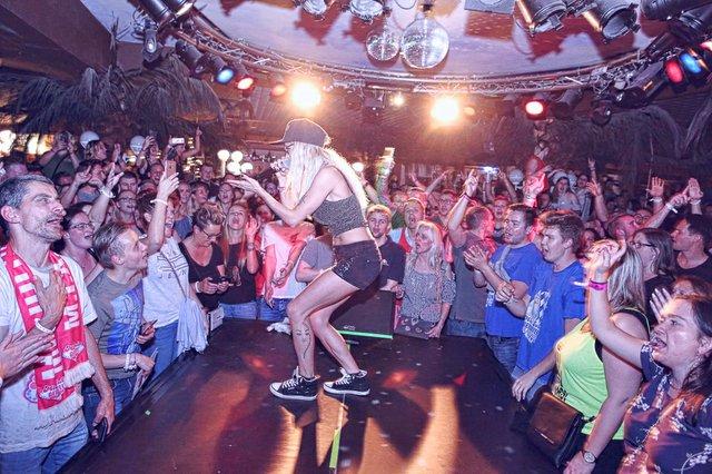 30.04.19 Tanz in den Mai mit Mia Julia, Sonnenhof, Aspach (12 von 51).jpg