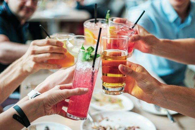 drinks-2578446.jpg