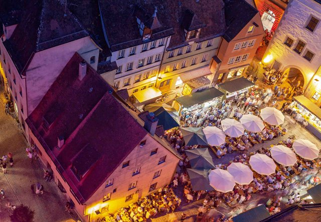 (c)-Rothenburg-Tourismus-Service,-Weindorf-Rothenburg-o.d.jpg