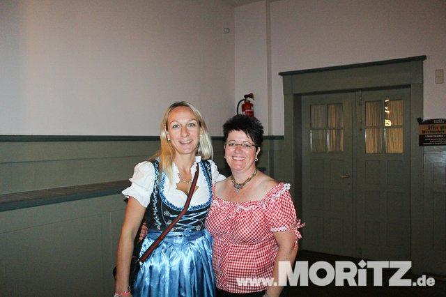 26. Oktober 2019 Dirndl und Lederhosen Party, Festhalle, Bad Urach  (8 von 47).jpg