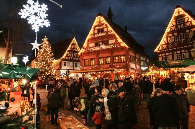 Plo_Weihnachtsmarkt_1.jpg