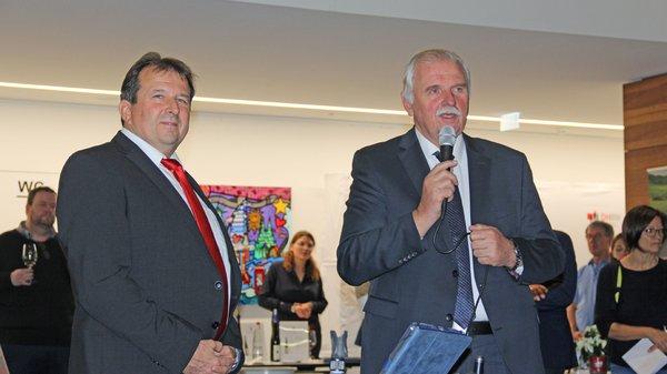 Foto-1_Eröffnung-Präsentation-Spitzenweine.png