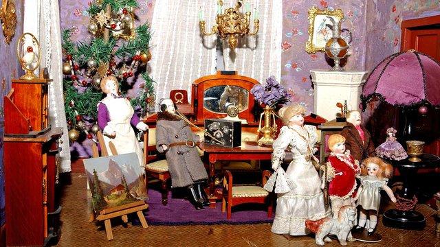 Puppenstuben-Ellwanger-Schlossmuseum---Bild-Steuer-(1).jpg