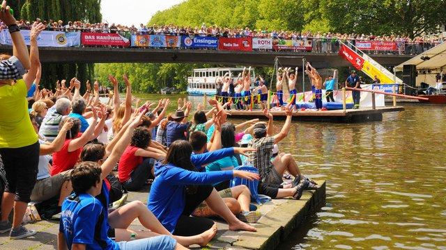 Neckarfest-Wasserumzug_2012_rs_8800b_web.jpg
