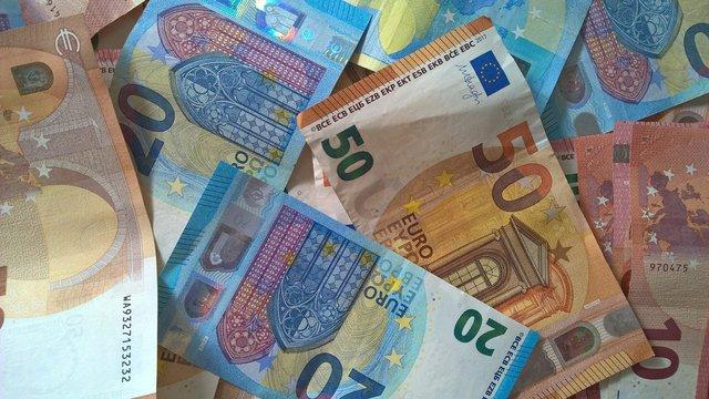 money-2801484_1920_web.jpg