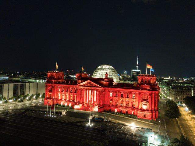 Bundestag_Berlin_NightofLight.jpg