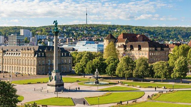 Schlossplatz_View_mit-Dorotheen-Quartier_079054_c-SMG-Werner-Dieterich_web.jpg