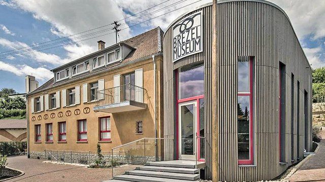 web_csm_Museen-Erdmannhausen-BrezelMuseum-Gebaeck-Geschichte-Handwerk_01_57c68cce86.jpg